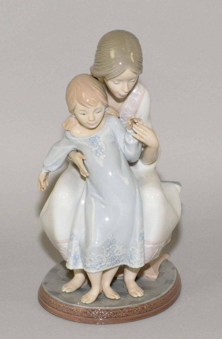 LLADRO ''TENDERNESS MOTHER AND CHILD'' 1986 PORCELAIN