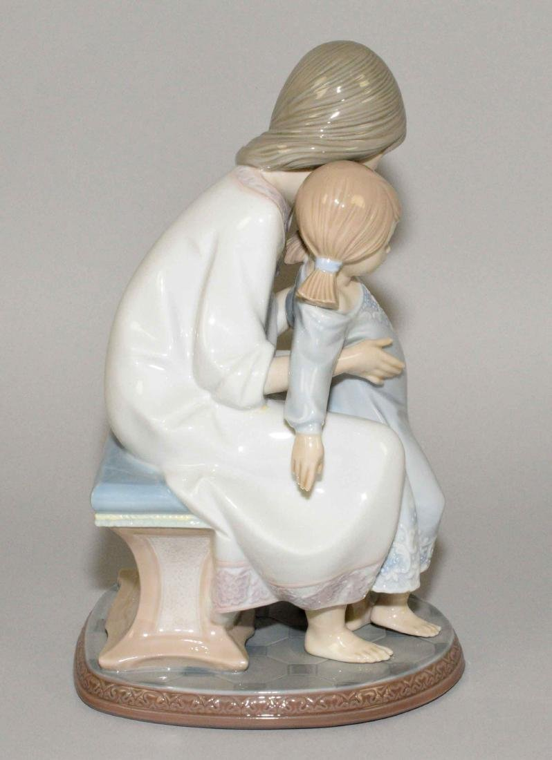 LLADRO ''TENDERNESS MOTHER AND CHILD'' 1986 PORCELAIN - 2