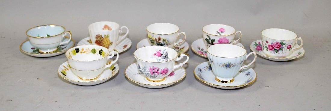 COLLECTION OF FINE BONE CHINA CUPS AND SAUCERS.