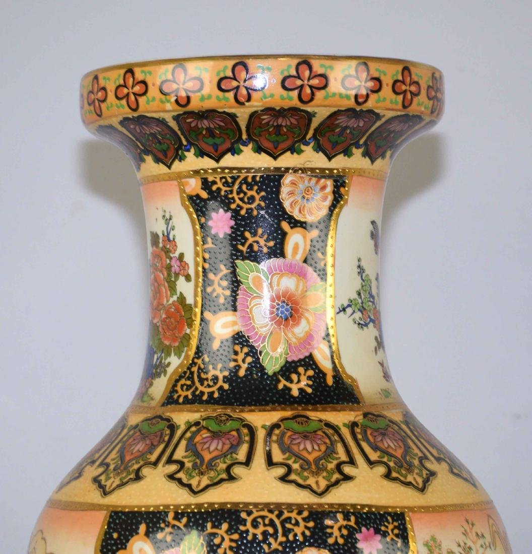 ROYAL SATSUMA VASE, handpainted on wooden stand. Vase - 4