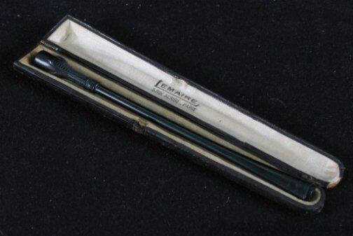 3004: FRENCH ART DECO CIGARETTE HOLDER. French Cigarett