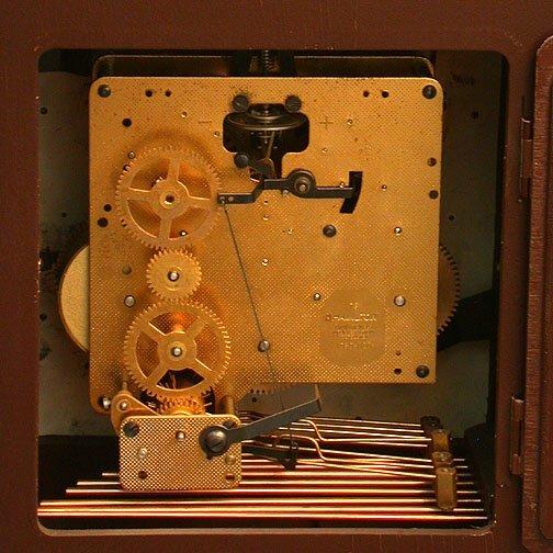 1620: HAMILTON MANTEL CLOCK. N/R. Keywind 1/4 - 3