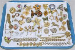50+ PIECE LOT OF ASSORTED VINTAGE COSTUME JEWELRY