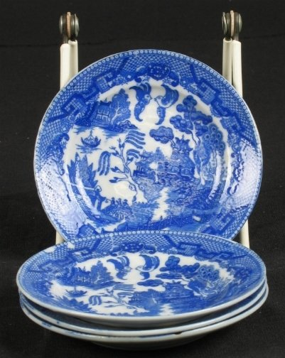 1003: 4 JAPANESE BLUE WILLOW PLATES