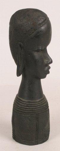 1005: KENYA CARVED HEAD