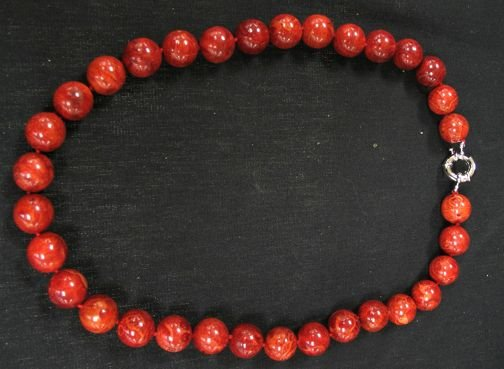 1571: RED CORAL NECKLACE.