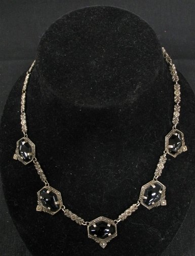 1592: STERLING & ONYX(?) NECKLACE.