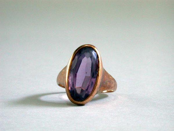 14: 14K AMETHYST RING N/R. The rose gold ring