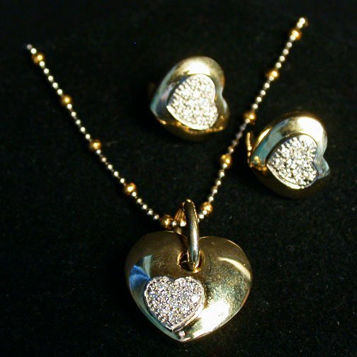 2004: 14K DIAMOND HEART SET. The three piece