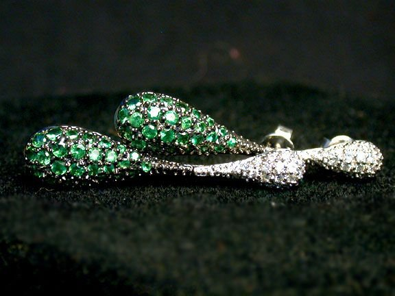 2013: GREEN SAPPHIRE DROP EARRINGS. The green