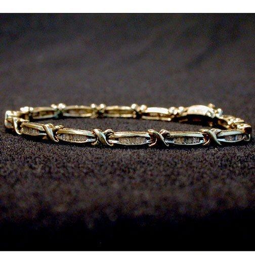 2004: 10K DIAMOND BRACELET. Bracelet has alte