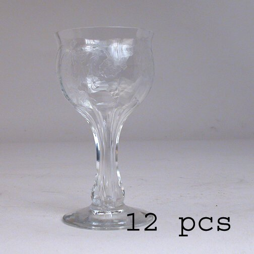905: 12 DEPRESSION WINE GLASSES.