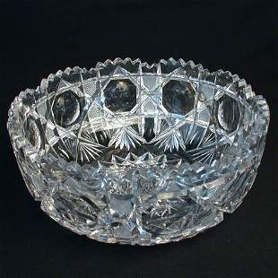 CUT AND ENGRAVED GLASS BOWL