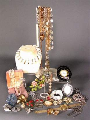 ASSORTED COSTUME JEWELRY. Lot includes necklaces,