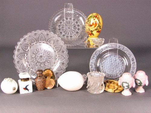 3223: 15 VICT. & EDWARDIAN ITEMS. (2) Two milk glass bl
