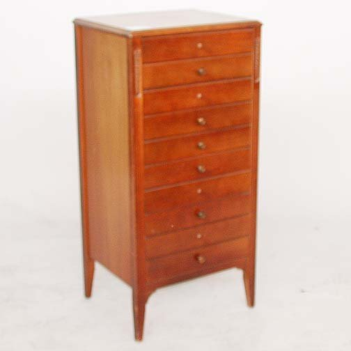 1555: 1555 CHEST FOR COLLECTORS. Mahogany che