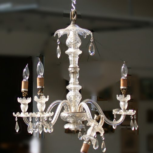 1571: 1571 CRYSTAL CHANDELIER. Five branch wi