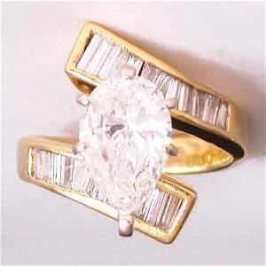 1900: 1900 18K GOLD DIAMOND RING. A ladie's 1