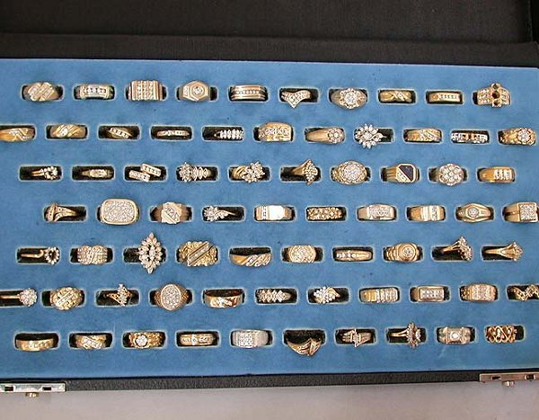 1982: 1982 ASSORTED GOLD & DIAMOND RINGS. Sev