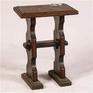 1567 TUDOR STYLE END TABLE. Pine with t