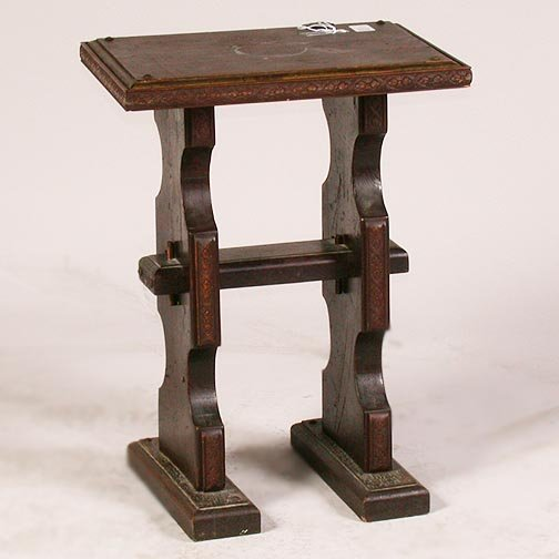 1567: 1567 TUDOR STYLE END TABLE. Pine with t