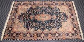FINE WOOL INDO-PERSIAN RUG - Measures 4'3'' x 6'10''