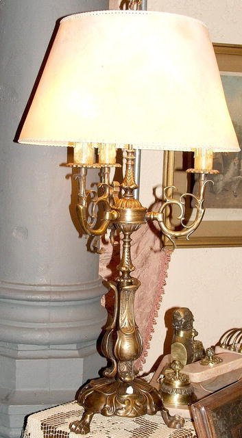 21013A: French bronze 3L table lamp