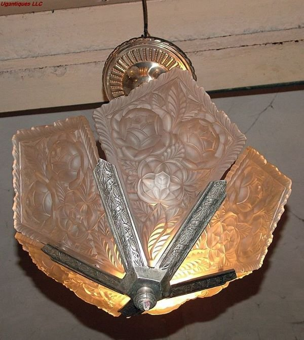 21026A: Art Deco Sabino style 3 lights chandelier