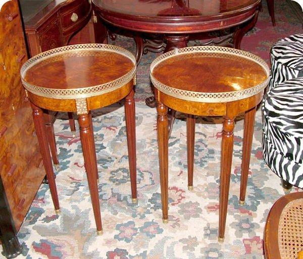 2739: Pair of Louis XVI round tables