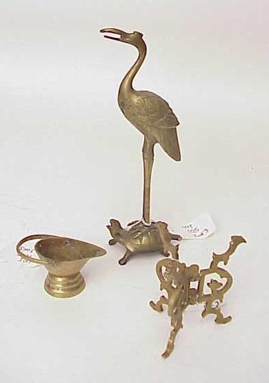 105: THREE PIECE BRASS LOT TURTLE BIRD & MORE NO RESERV