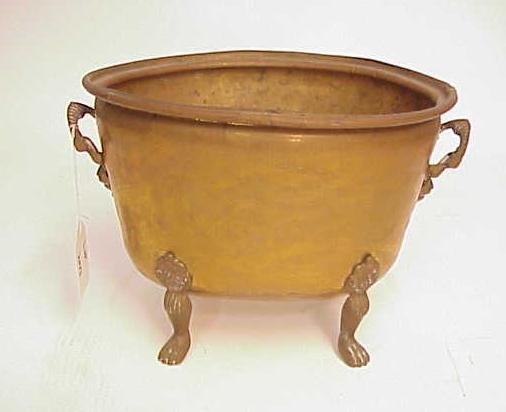 2013: FOOTED BRASS PLANTER WITH HANDLES NO RESERVE