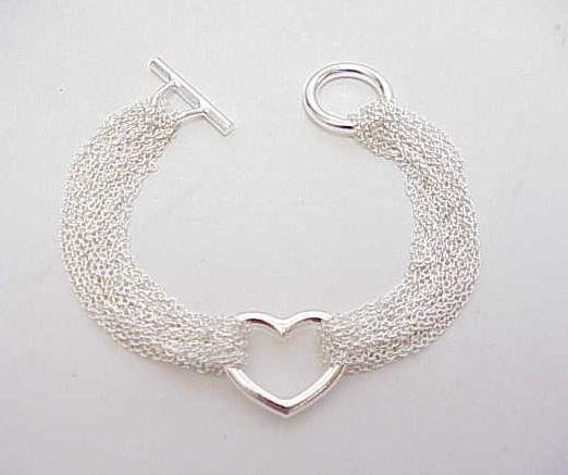 3014: STERLING SILVER MESH HEART BRACELET TOGGLE 8 IN