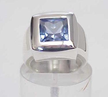 4011: STERLING SILVER SIM SAPPHIRE CZ CHUNKY RING SIZE