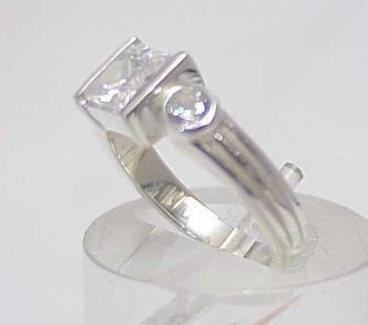 3009A: STERLING SILVER SIM DIAMOND CZ 3 STONE RING 7 - 2