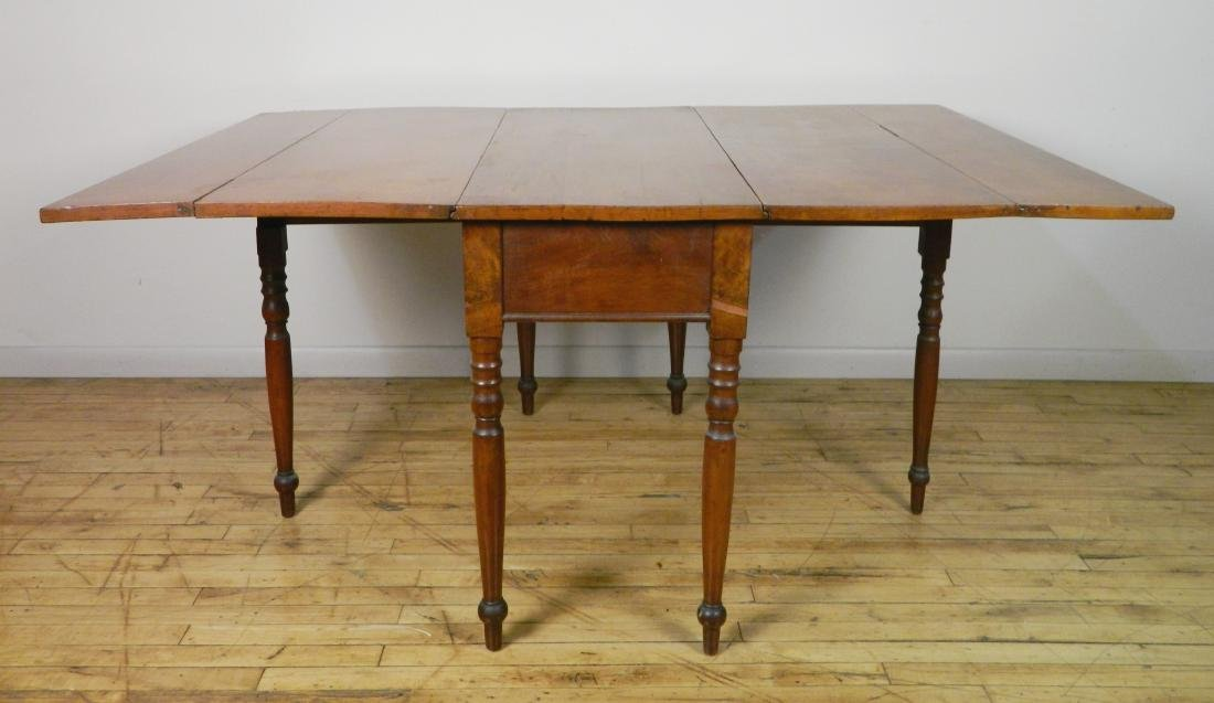 Drop leaf Pembroke table