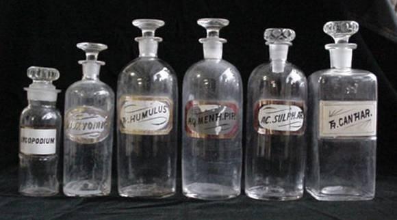 3A: 6 Pharmacy bottles