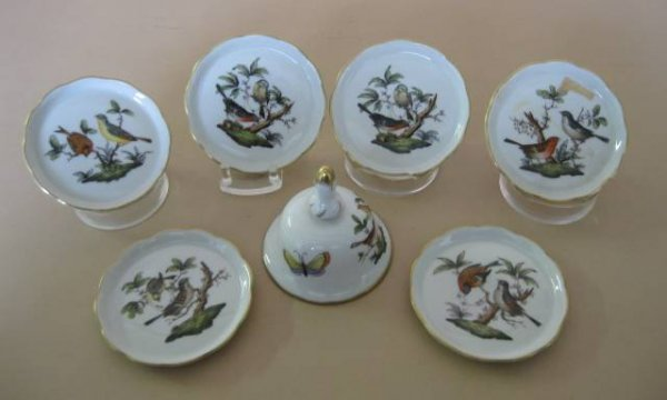 714: Herend porcelain bell and plates