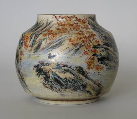 723: Early 20th c. Satsuma a vase