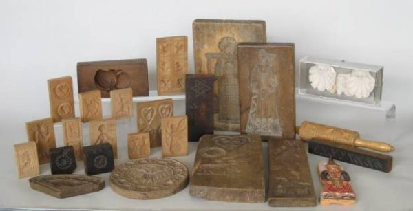 29: 20 wooden cookie molds, 20th c.