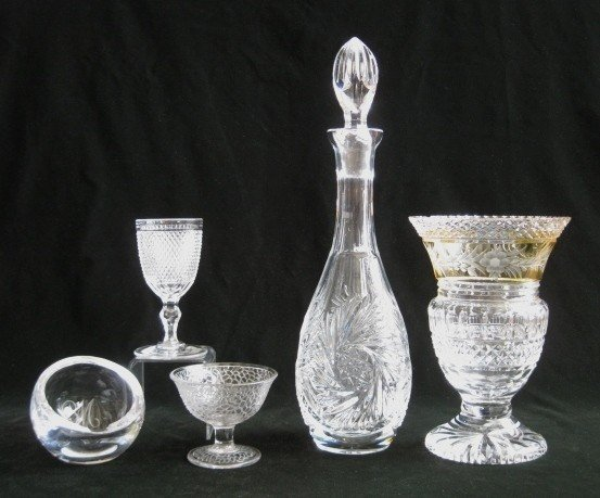 18: Pressed glass items
