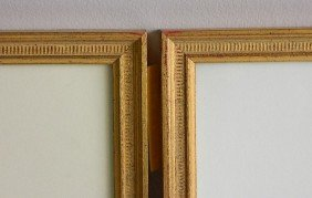 705: 2 Matching gilded gallery frames