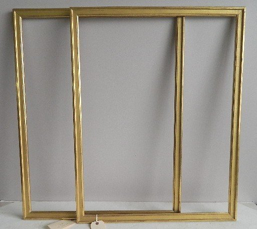 713: 2 Matching gilded gallery frames - 2