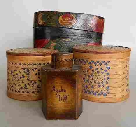 4 Decorated boxes