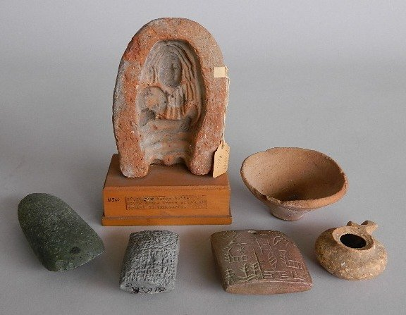 6 Small ethnographic reproduction pieces