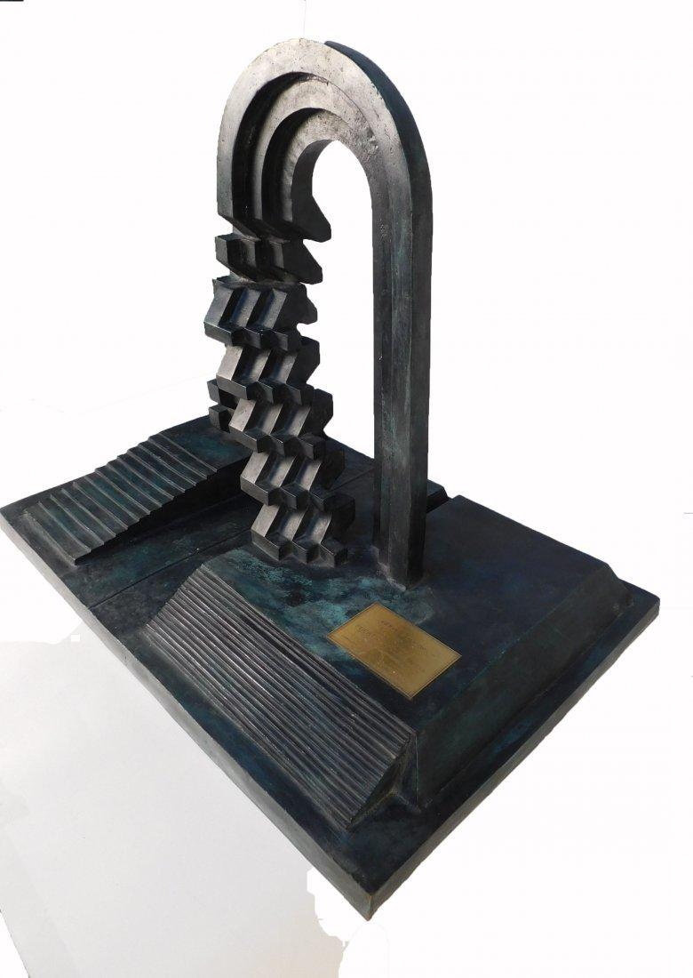 Enrique Carbajal bronze sculpture - 3