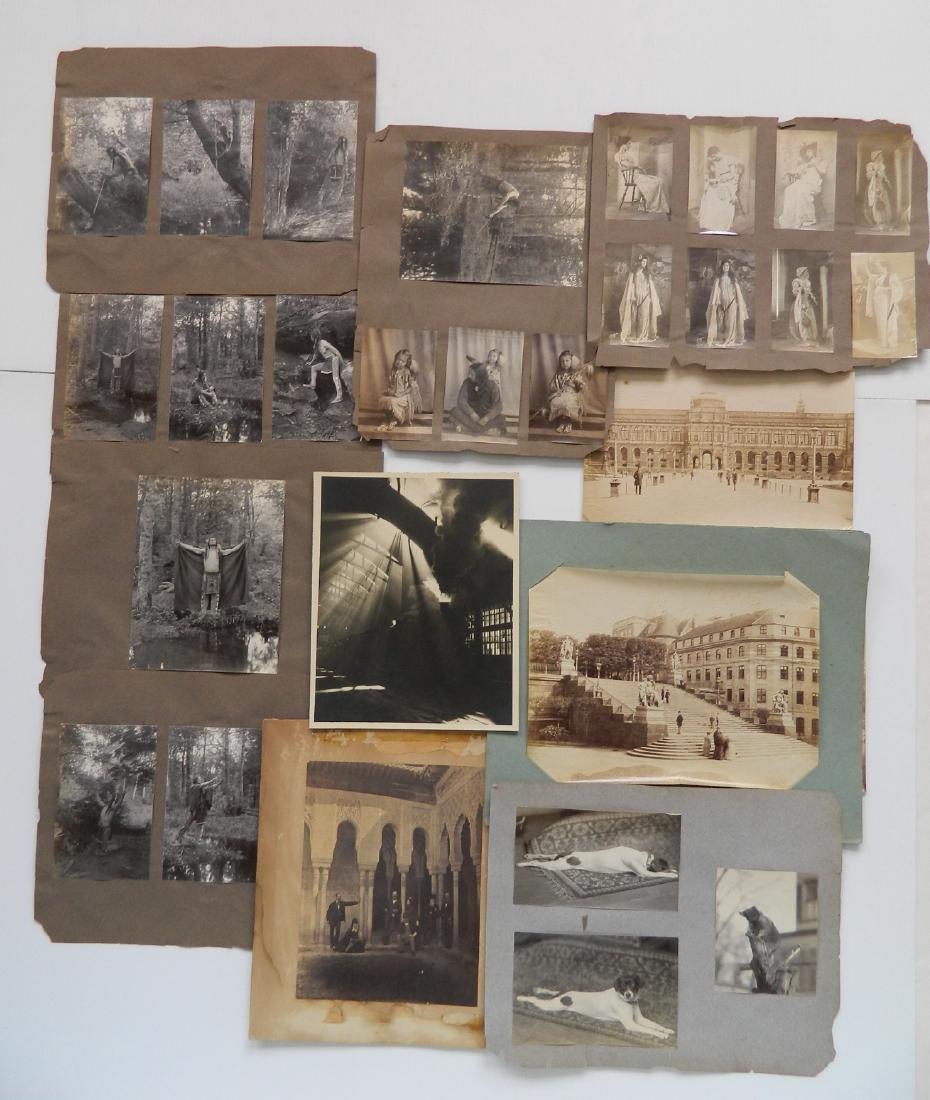30 vintage photographs