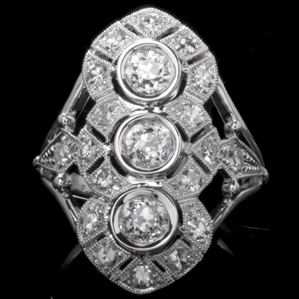 14K GOLD FASHION RING W/ TOTAL 1.60ct. WHITE DIA