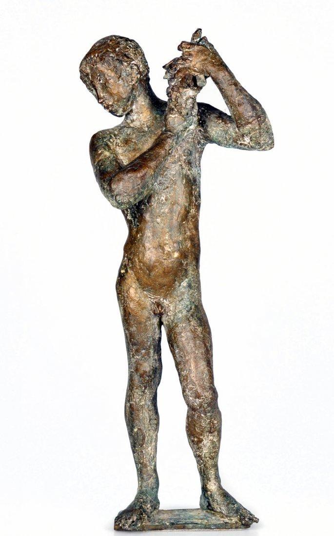 8: Elia Ajolfi, Jüngling, eine Weinrebe emporhaltend, u