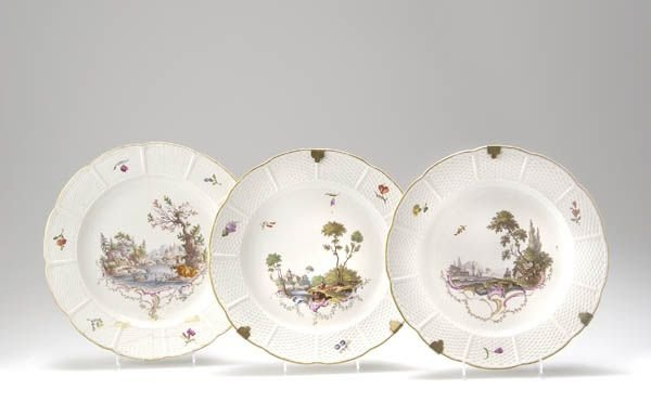 7: Herzogl. Porzellan-Manufaktur Ludwigsburg, Zwei Zier