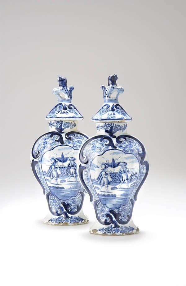 11: De Twee Scheepjes, Delft    zugeschrieben, Paar Dec